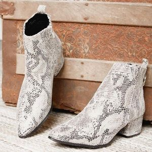 BUCKLE Gimmicks Faux Snakeskin Ankle Boots